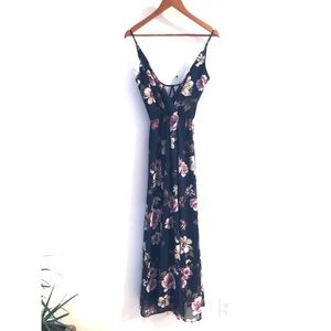 Trac Maxi Dress Floral/Navy size Small